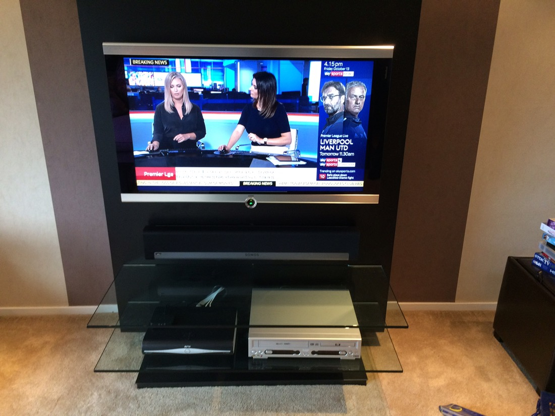 sonos playbar upgrade for loewe tv av comm. Black Bedroom Furniture Sets. Home Design Ideas